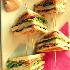 Vieni ad assaporare i nostri speciali Club Sandwich